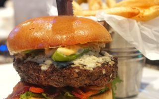 Cold Beers and Cheeseburger Opens in Glendale
